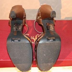 BONGO Shoes - 1940s-inspired Bronze Metallic Heels